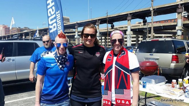 Jacqui Porter and her twin Ashley Porter with Lindsey Horan at MO Rush tailgate
